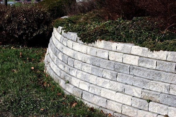 retaining walls Grand Rapids